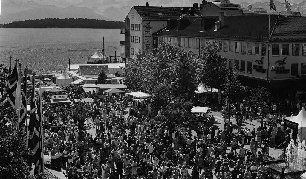 Publikum med en intensjon om å oppleve god musikk og festivalstemning under Moldejazz. På nettet må du bli like flink som gode festivaler til å lese intensjonene til ditt publikum.